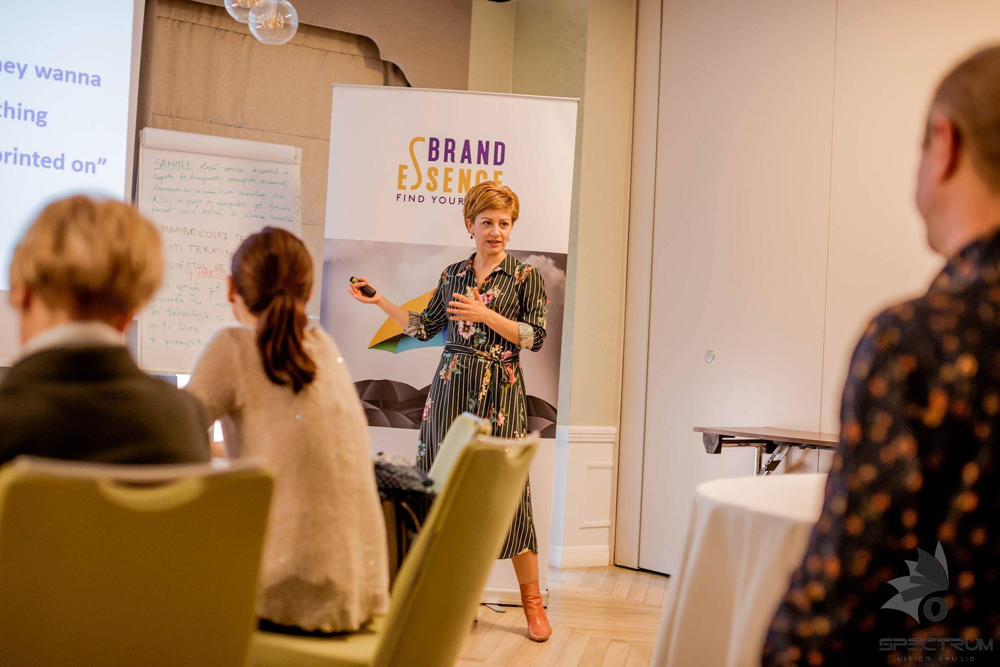 Despre Mihaela Muresan, fondatorul și trainerul Brand Essence